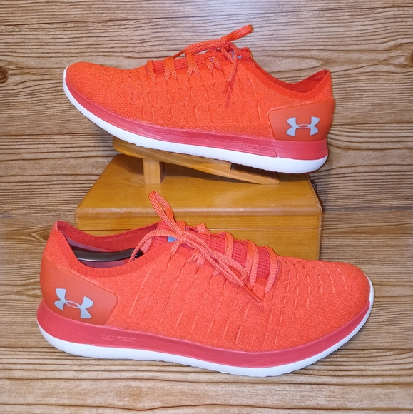 Pre-owned 2018 under armour charged slingride 2